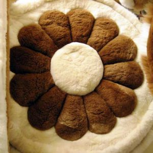 100% Baby Alpaca round fur rug andean flower